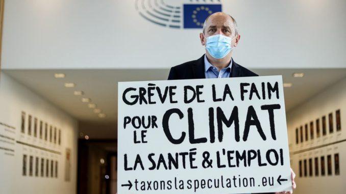 Pierre Larrouturou, député européen, en grève de la faim pour le climat