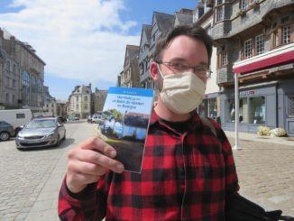 Nil Caouissin présente le Manifeste pour un statut de résident en Bretagne.